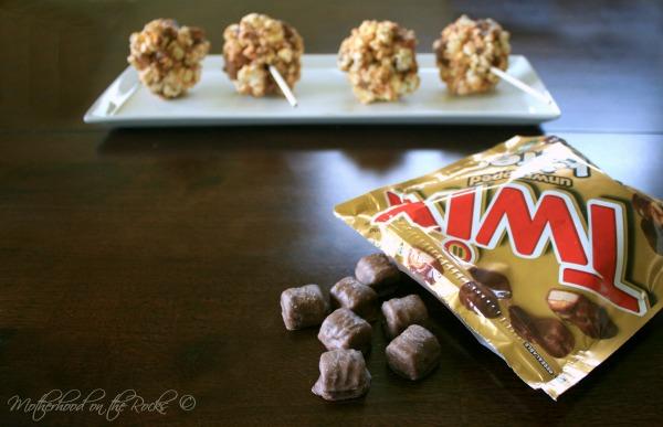 Movie Night Recipe: TWIX Bites Caramel Popcorn Pops - Motherhood on ...